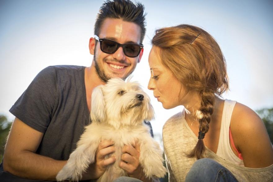 Сопствениците на домашни миленичиња се верни во врската и бракот