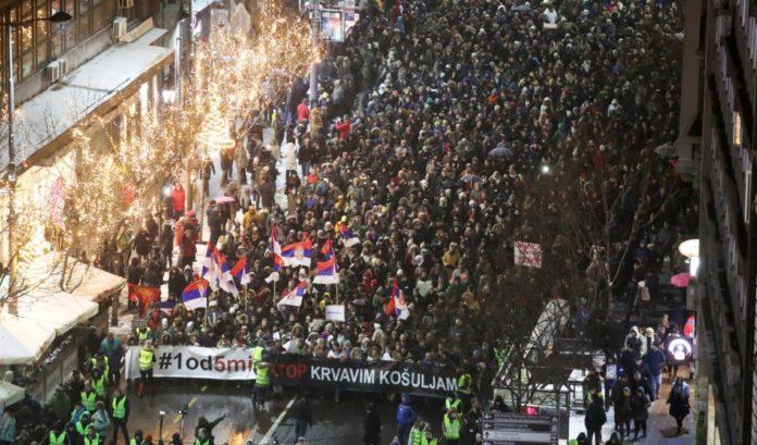 """ПО МАКЕДОНСКО СЦЕНАРИО: Српската шарена револуција вечерва ќе ја """"напаѓа"""" ТВ Пинк"""