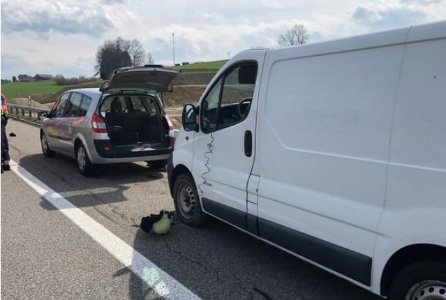 Трагедија во Швајцарија: Почина работник од Македонија кој бил прегазен додека менувал гума на комби