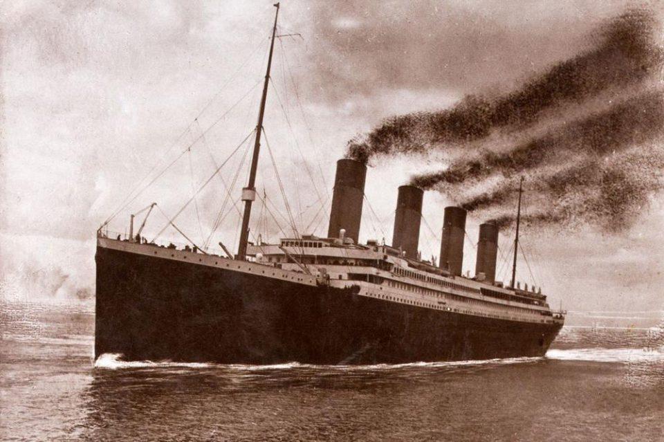 Шокантни тврења за Титаник: Бродот не потонал откако удрил во леден брег, ова се случувало во последните 10 минути пред потонување