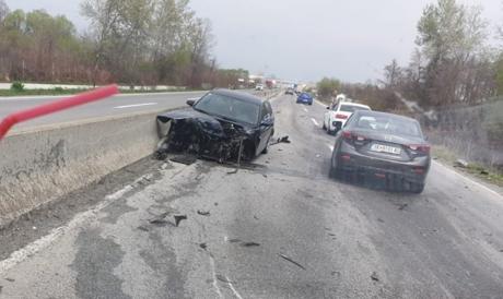 Детали за несреќата на патот Гостивар-Тетово: Возилото смачкано, неколку повредени