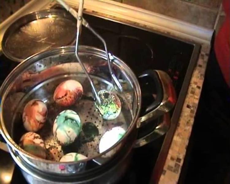 Не ја фрлајте водата во која ги варите јајцата – еве зошто