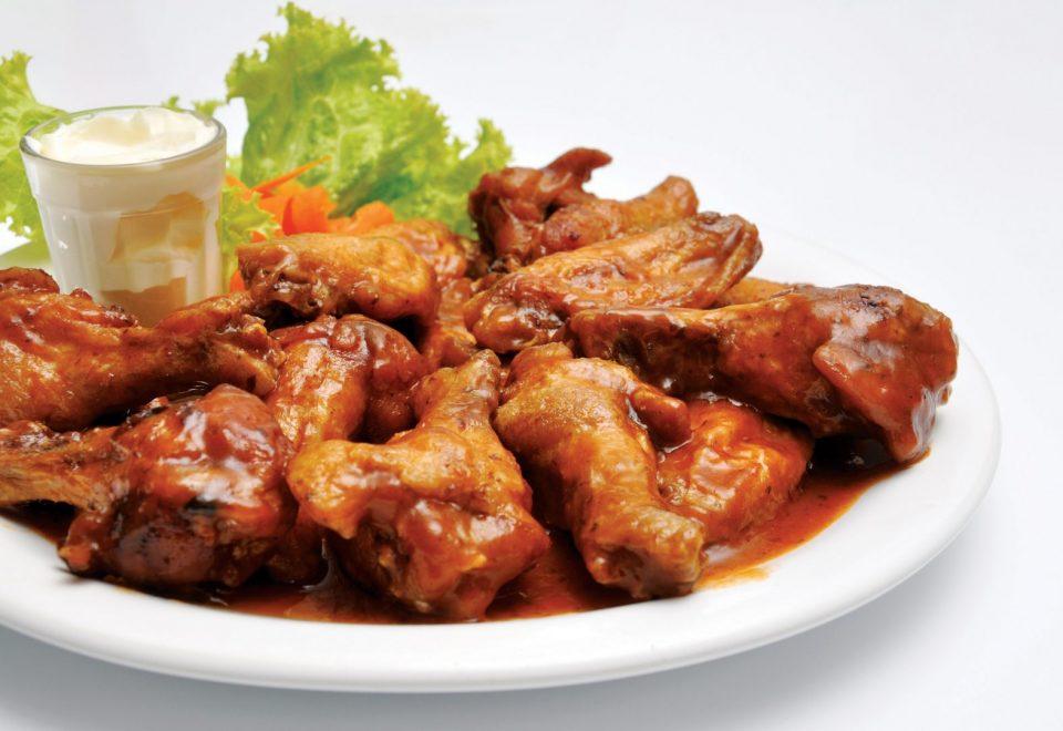 Пилешки крилца во сос од кашкавал- едноставен ручек за кој нема да потрошите многу време