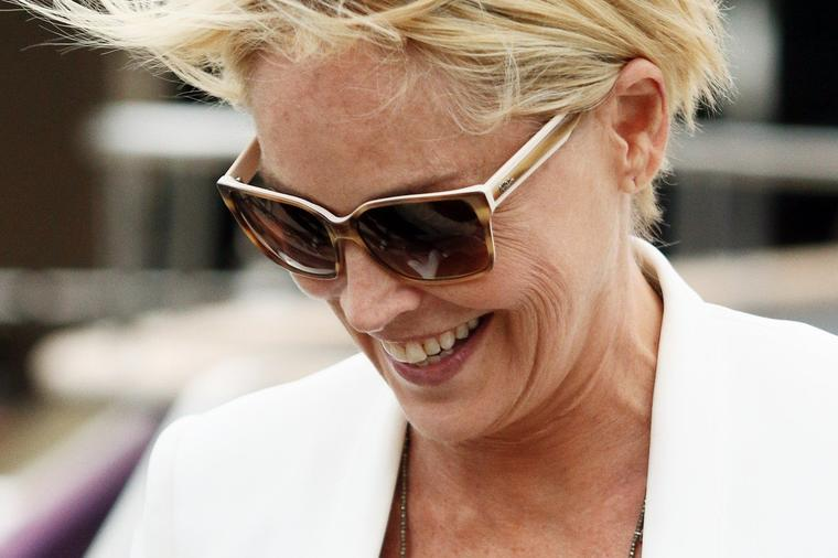 Морав повторно да научам да пишувам, зборувам и одам: Емотивна исповед на Шерон Стоун