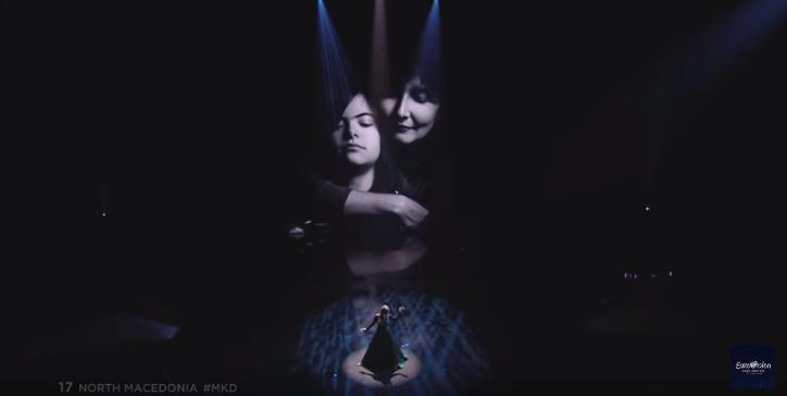 200 милиони ги видоа Илина и Мимоза: Ова е приказната за фотографијата на видеобимот зад Тамара