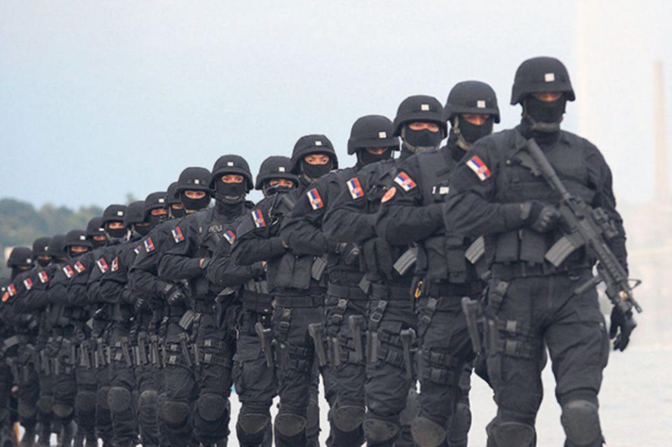 РТС: Српската војска и полиција тргнаа кон Косово, Вучиќ ги крена и борбените авиони?