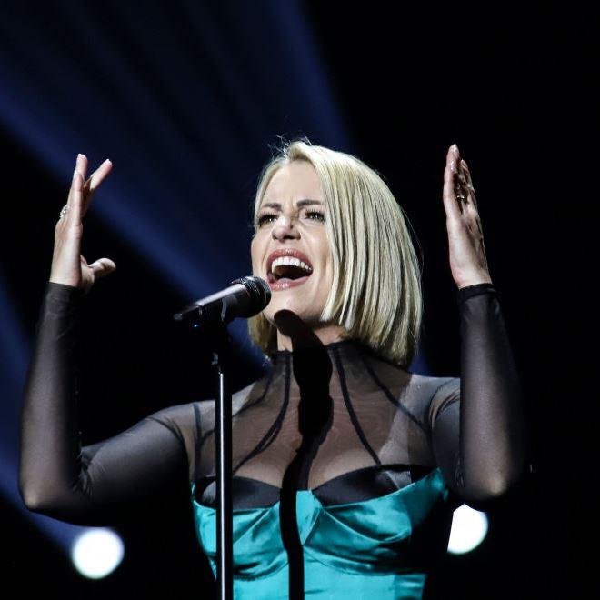 ПУБЛИКАТА СО ОВАЦИИ: Спектакуларен настап на Тамара во финалето на Евровизија! (ВИДЕО)