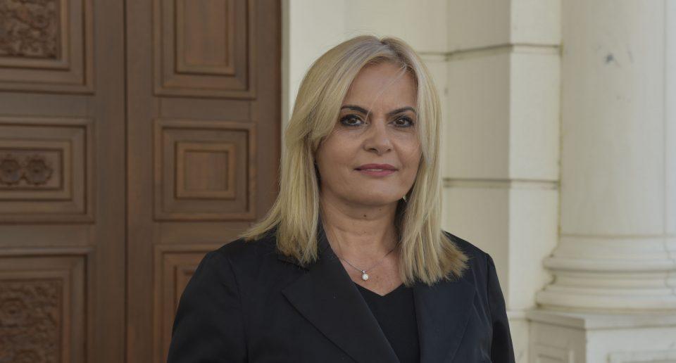 Затуроска: СДСМ за вдомување на партиски послушници од државната каса плати 135 милиони денари