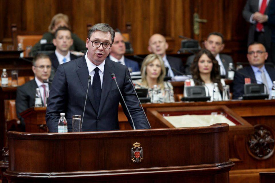 Вучиќ свика итен состанок со пратениците, Србија гневна на западот!