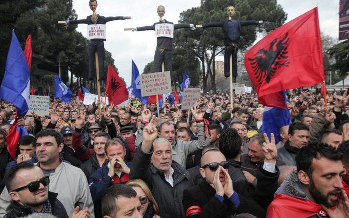 Албанската опозиција ќе ги радикализира протестите