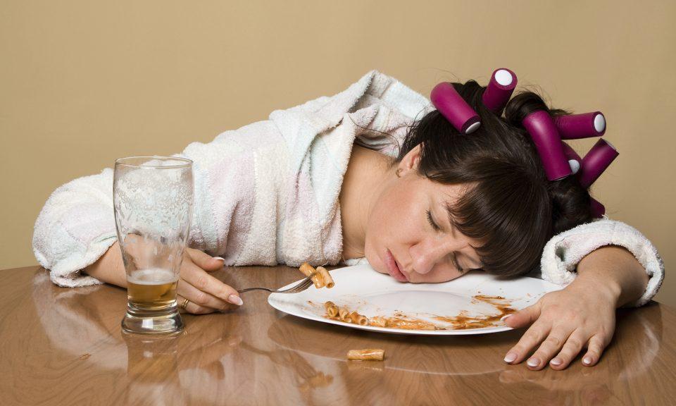 Избегнувајте ги: Две вкусни намирници предизвикуваат поспаност после ручекот