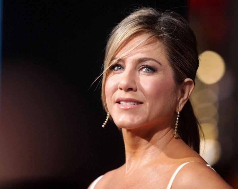Џенифер Анистон станува мајка на 52 години