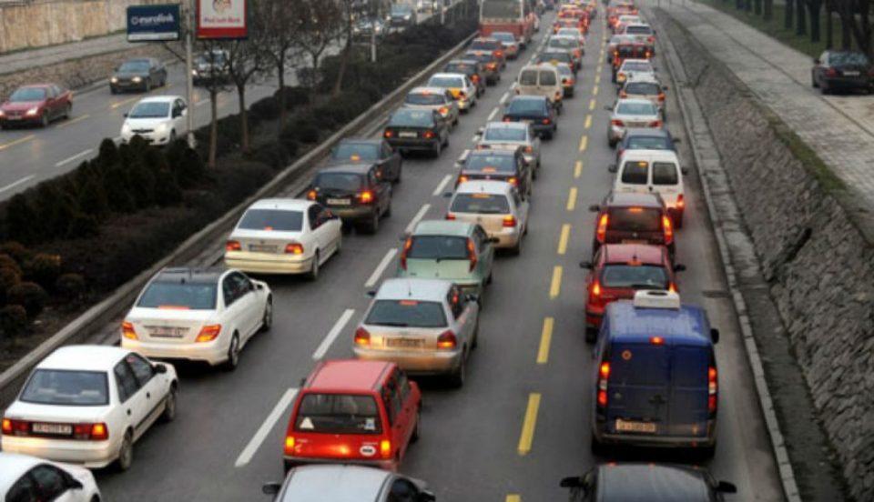 Се спрема нов данок на моторни возила: Нова давачка за сите кои ќе увезат возило од странство