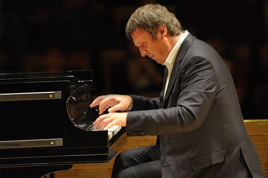 Познатиот пијанист Березовски со два концерта во Филхармонија