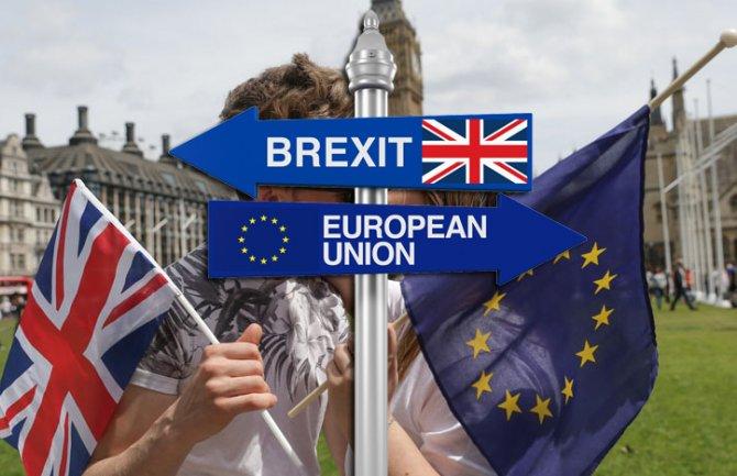 Британската кралица: Приоритет е излез од ЕУ до 31. октомври