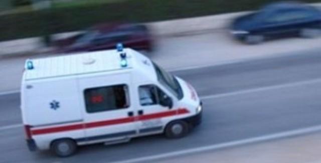 Изгубила контрола над автомобилот па удрила во заштитната ограда- жена повредена и пренесена во штипската болница
