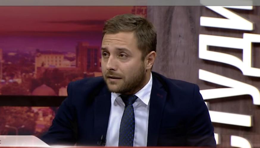 Арсовски: Честитки за оставката на Павле, истото треба да го сторат и другите од власта