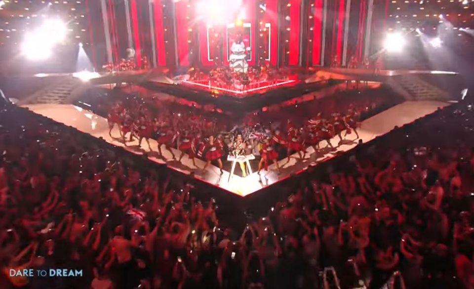 Никој не забележа еден детаљ на Евровизија кој има јасна цел- тоа што се појави на сцената е порака до целиот Балкан и Македонија (ВИДЕО)