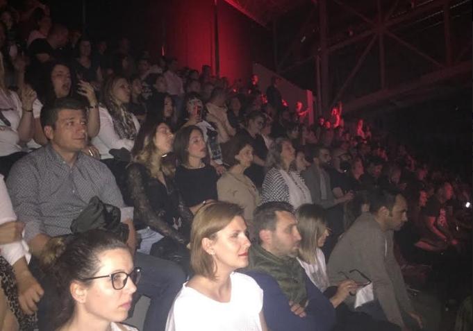 Силјановска Давкова на концертот на Лени Кравиц, во друштво на своите ќерка и внука