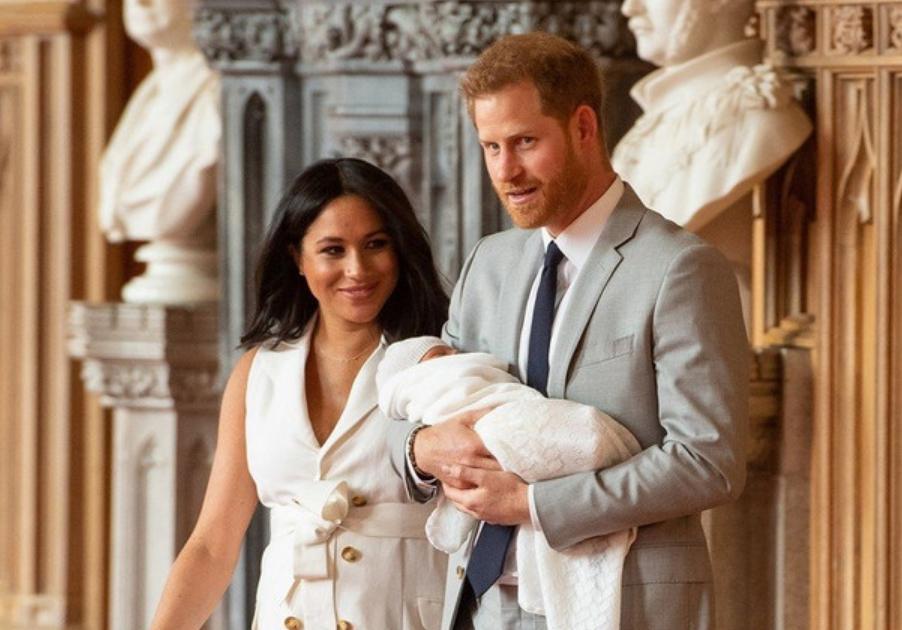 Уште една навреда за кралското семејство- плановите на Меган Маркл за малиот Арчи нема да им се допаднат на Британците