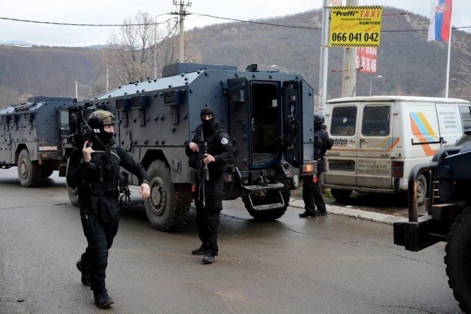 Расте бројот на уапсени Срби на Косово, Вучиќ испраќа војска на границата?!