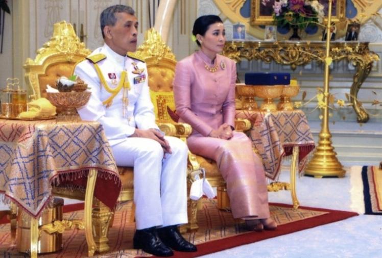 Нова жена ползи покрај овој крал, а се појави и скандалозна снимка со поранешната (ВИДЕО)
