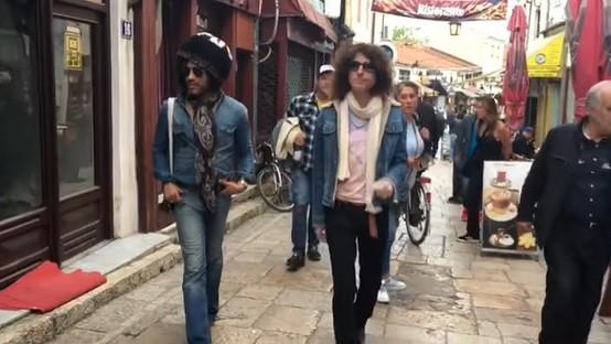 Лени Кравиц прошета низ Чаршија и објави видео од Скопје: Најубав ден за среќавање со прекрасни луѓе