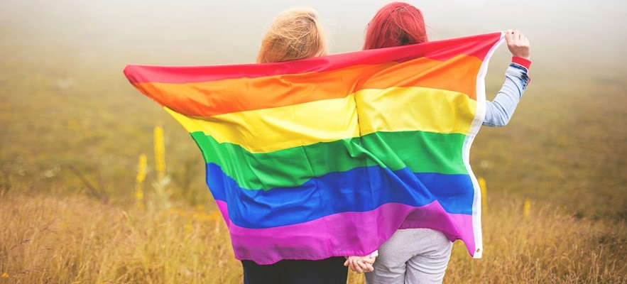 Во Унгарија со закон се забранува промовирање на хомосексуалноста