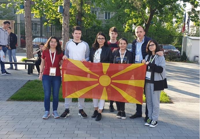 Овие деца со медали се вратија во Македонија од Балканската математичка олимпијада