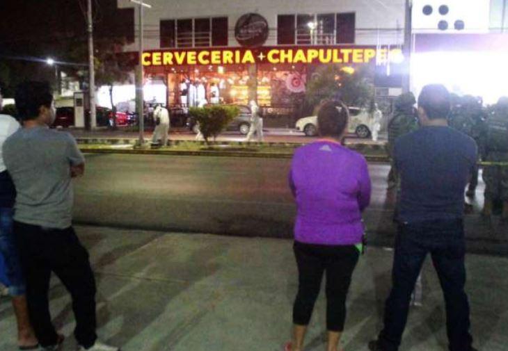 Еден убиен, 11 поврени при пукање во бар во мексиканско одморалиште