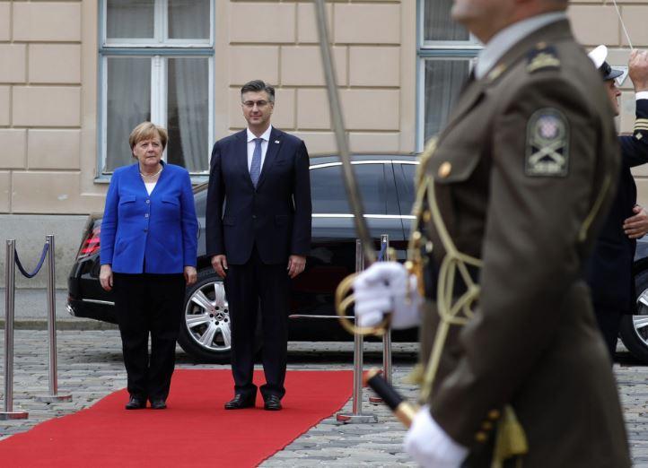 Ангела Меркел пристигна во Загреб