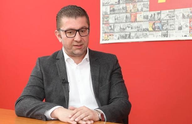 Мицкоски: Добивам информации дека Заев бил во Берлин за да ги моли да не објавуваат дека државата нема датум за преговори