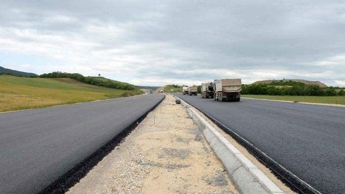 Миладиновци- Штип се уште не е пуштен за сообраќај, еве ја состојбата на патиштата во државата