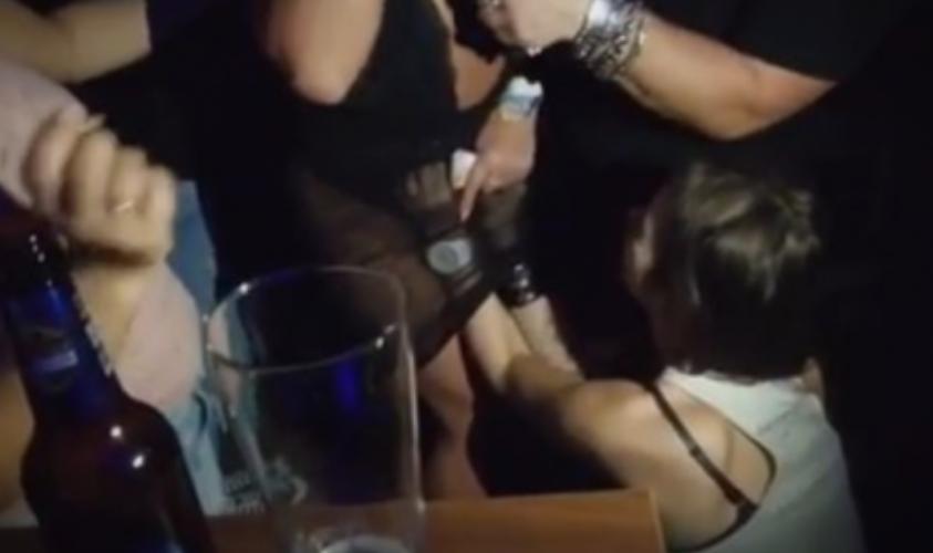 На Српска пејачка парите и ги ставаа во гаќичките (ВИДЕО)