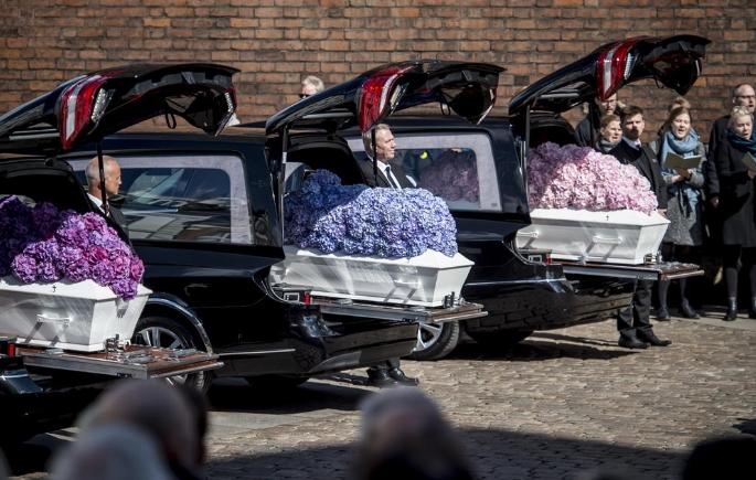 Од ова ќе ви се скрши срцето: Татко си ги погреба своите три деца, беа убиени на крвавиот Велигден (ФОТО)