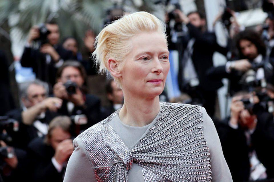 Без грам шминка: Актерката блесна на црвениот килим (ФОТО)