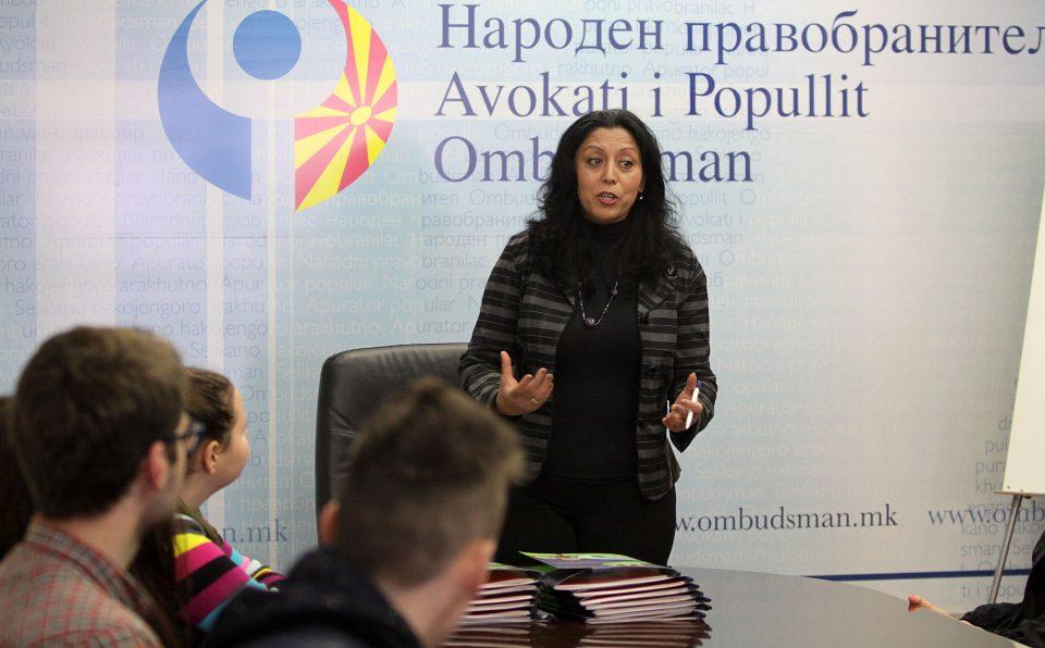 Бајрамовска контра Филипче: Ниту едно дете не смее да остане надвор од образовниот систем!