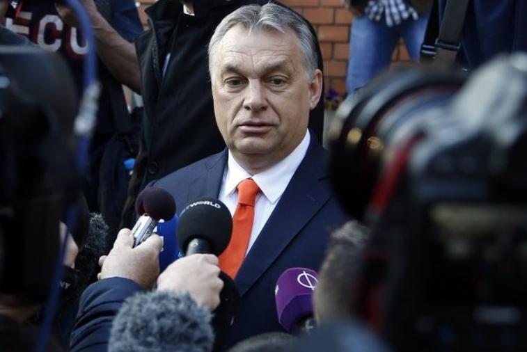 Орбан ги предупреди банките: Вратете ги парите на граѓаните, или ние ќе ви земеме повеќе