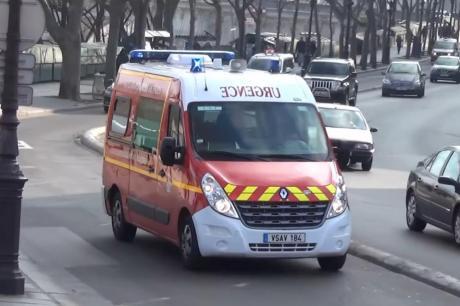 Трагедија во Париз: Минимум 3 лица загинаа во голем пожар во станбена зграда, повеќе од 30 се луѓе повредени