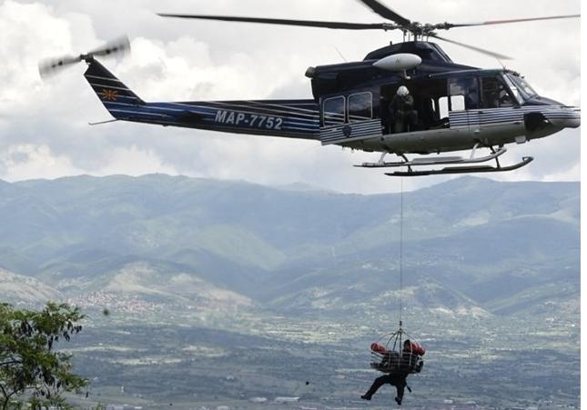 Спасувачка драма на Шар Планина: Планинар со полициски хеликоптер итно пренесен на клиника