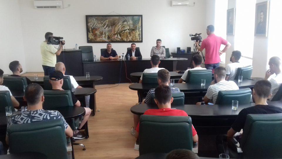 Градоначалникот Јанчев и советот на Општина Кавадарци со поддршка за ГФК Тиквеш за наредната сезона