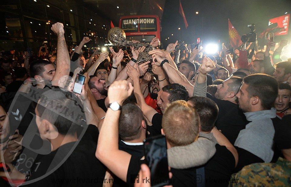 Како го пренесоа хрватските медиуми пречекот на Вардар во Скопје