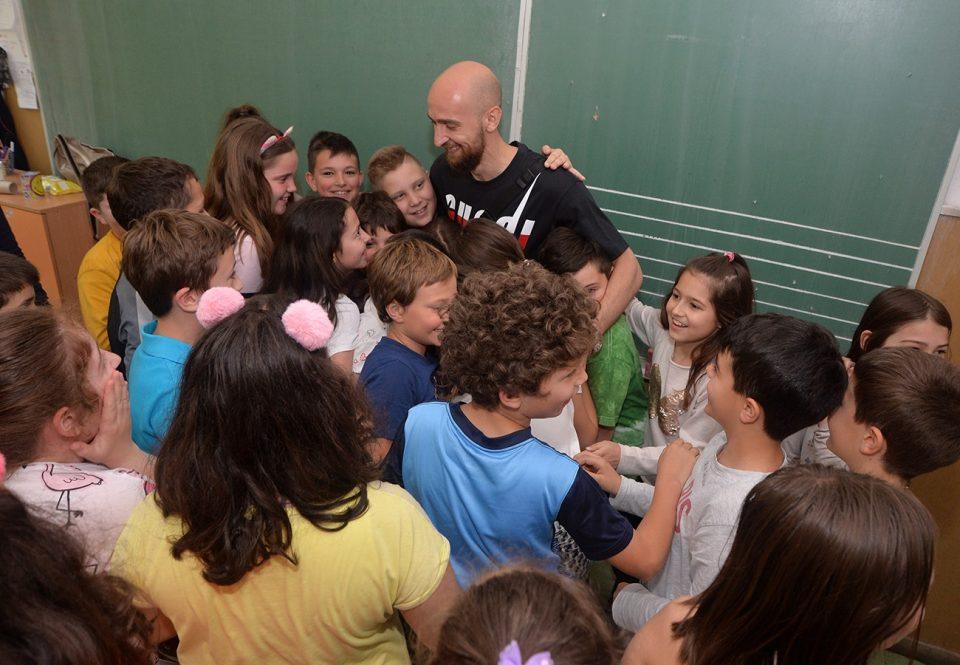 ФОТО: Дибиров се дружеше со најмладите