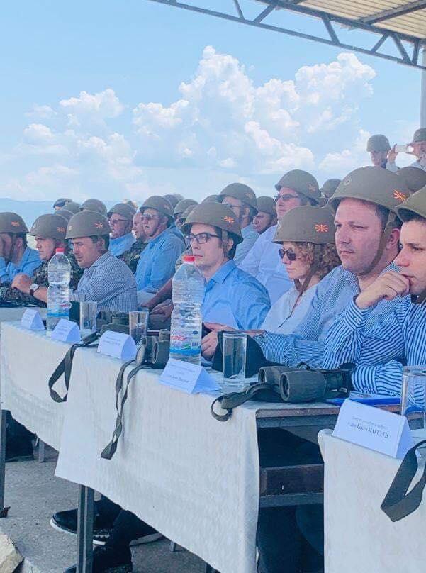Мицковски: Оставете им ги шлемовите на војниците, смешни сте