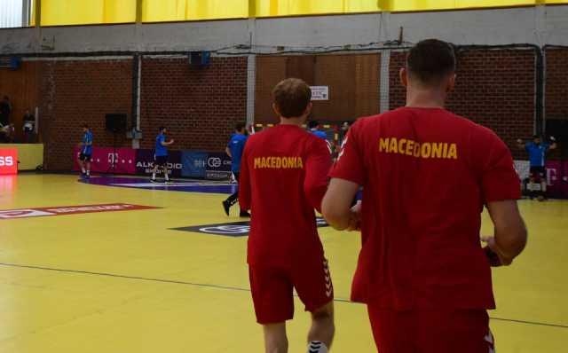 ФОТО: Во Струмица нема Северна- на дресовите на ракометарите само Македонија!