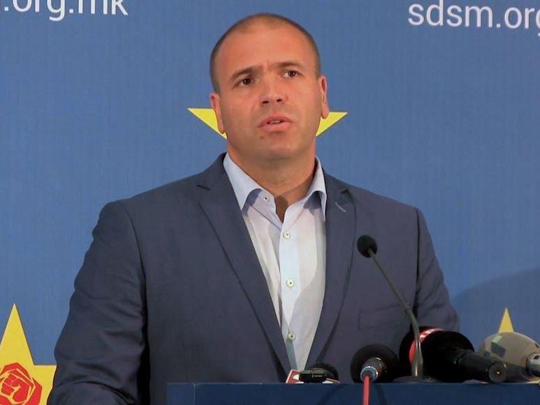 Градоначалникот на Заев против главниот преговарач на Заев: Неговите тези се велепредавство