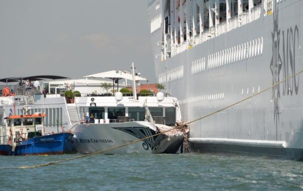 Детали за бродската несреќа во Венеција