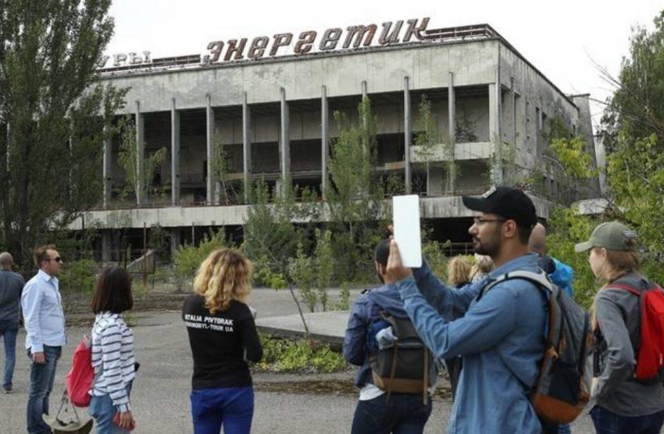 """Во Чернобил """"врие"""" од туристи: Наместо на летен одмор на плажа, луѓето одат на местото на смрт и трагедија"""
