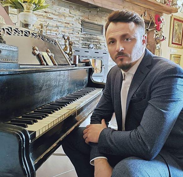 Знае како да ужива по разводот: Еве на која српска пејачка и се залепи Даниел Кајмакоски (ФОТО)