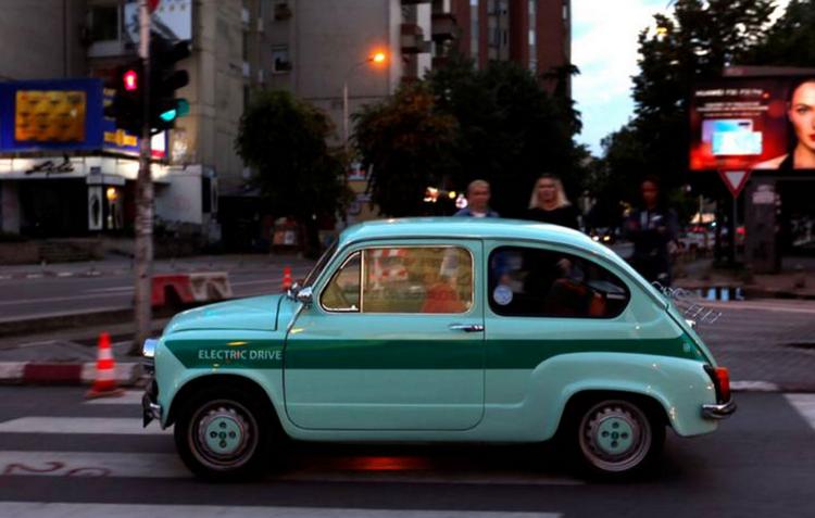 """Првиот македонски електричен автомобил ЗАС Г20 на страниците на """"Њујорк тајмс"""""""